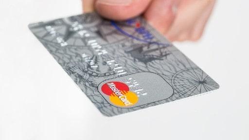 資金源にクレジットカードを当てる際には慎重に